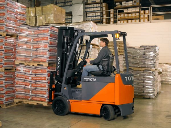 toyota electric forklift carrying load
