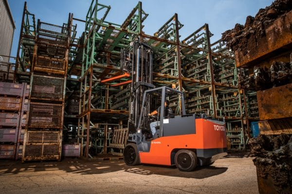 toyota high capacity electric forklift outdoor application