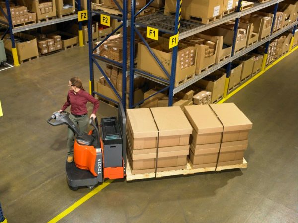 toyota end controlled rider pallet jack application in warehouse