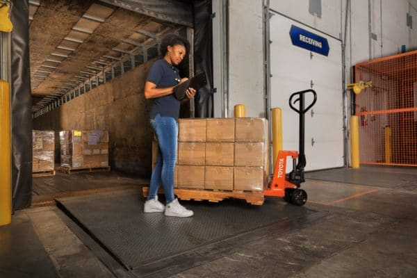 toyota hand pallet jack loading dock application
