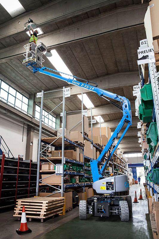 genie z-33/18 articulating boom lift indoor application
