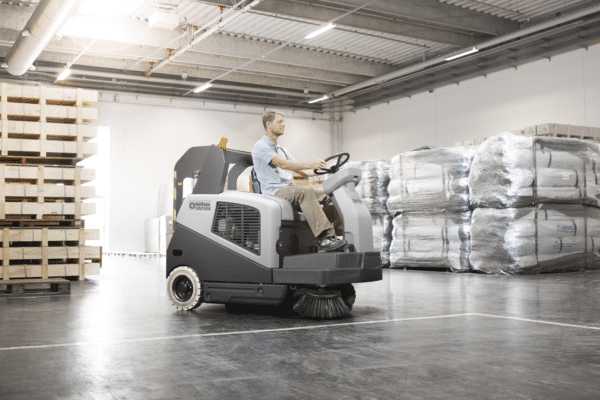 nilfisk sw5500 rider sweeper warehouse application