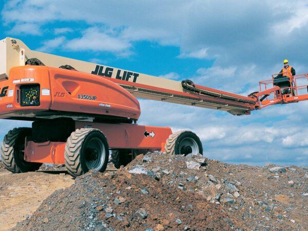 jlg 1350sjp telescopic boom lift application
