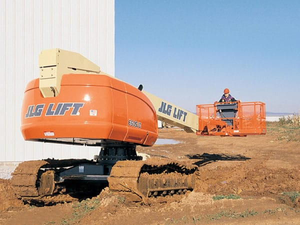 jlg 660sjc telescopic crawler boom lift construction application