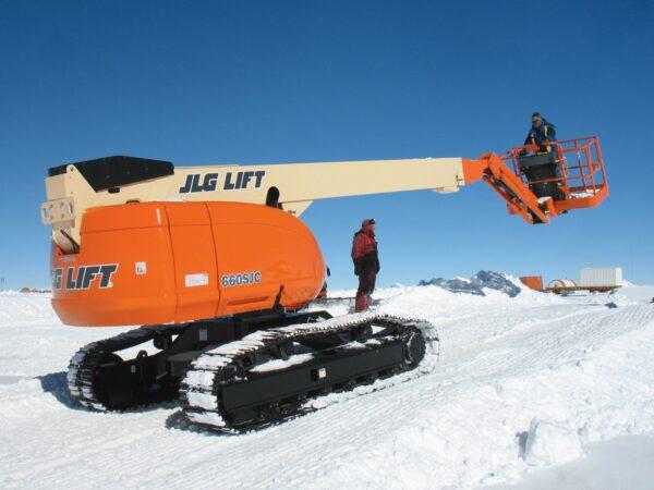 jlg 660sjc telescopic crawler boom lift driving application