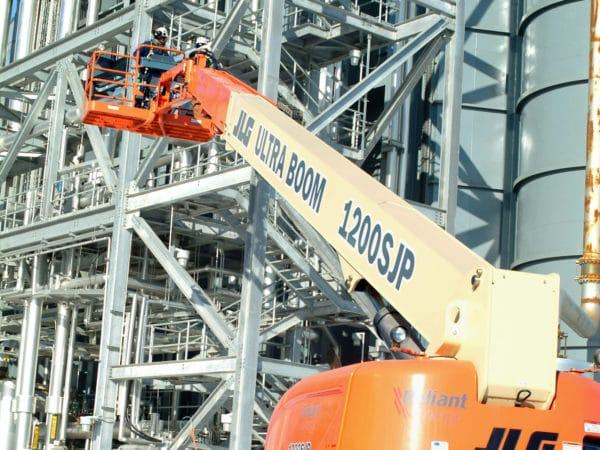 jlg 800s telescopic boom lift application