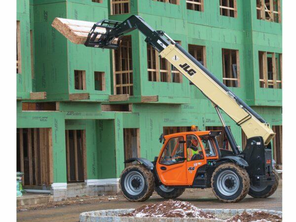 jlg 943 telehandler construction application