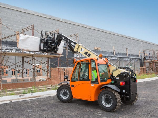 jlg g5-18a telehandler construction application