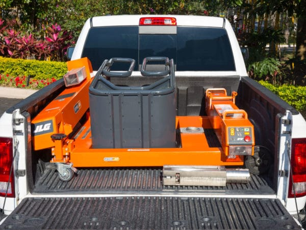 jlg ft140 liftpod in pickup truck