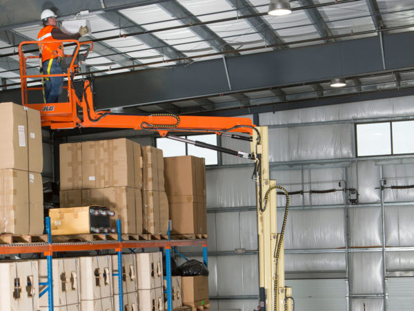 jlg 32e toucan mast boom lift application