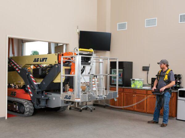 jlg x1000aj compact crawler boom lift doorway