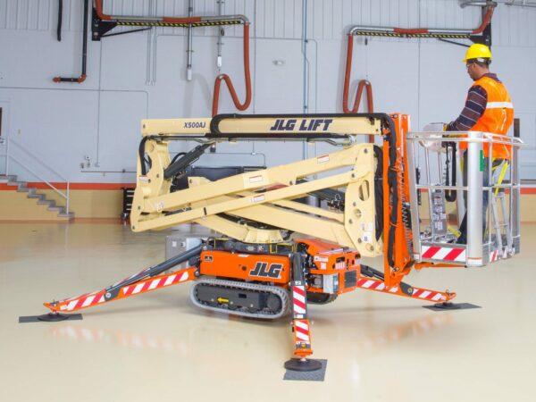 jlg x500aj compact crawler boom lift lowered