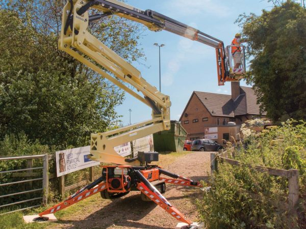 jlg x600aj compact crawler boom application