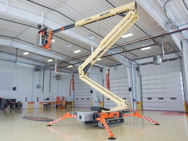 jlg x770aj compact crawler boom lift indoor application