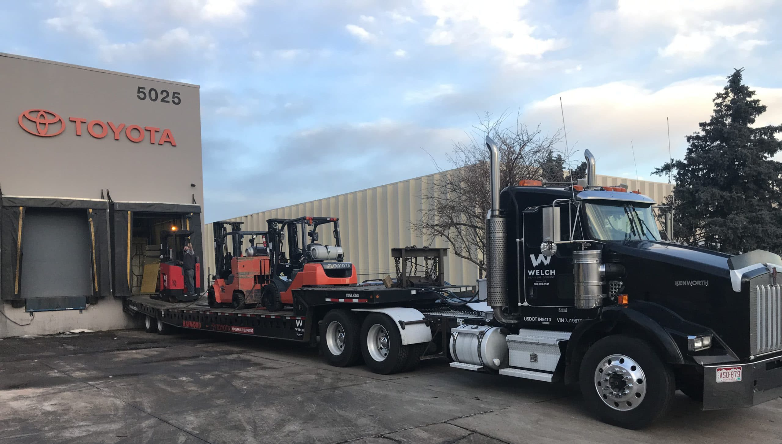 welch equipment towing and hauling